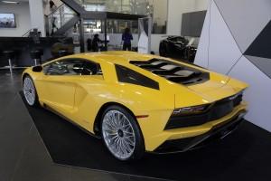 2017-Lamborghini-Aventador-S-10