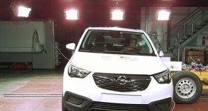 Opel Crossland X çarpışma testi