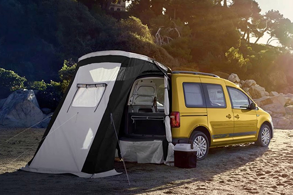 vw kamp severlere zel caddy beach 39 i tan tt otostil vw caddy beach. Black Bedroom Furniture Sets. Home Design Ideas