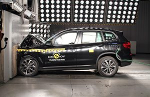 BMW X3 çarpışma testi