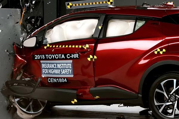 Toyota CH-R çarpışma testi