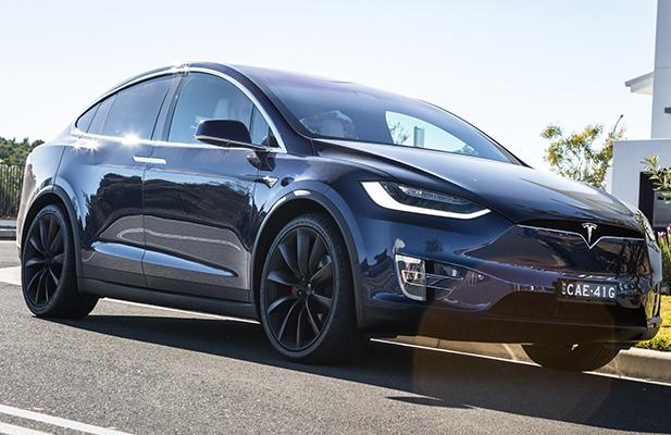 Tesla renk seçeneği