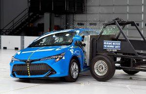 Toyota Auris çarpışma testi