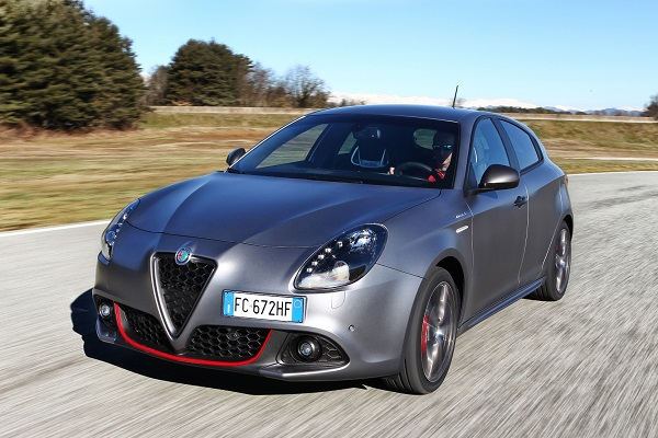 Alfa Romeo bu ay kredide faizi kaldırdı