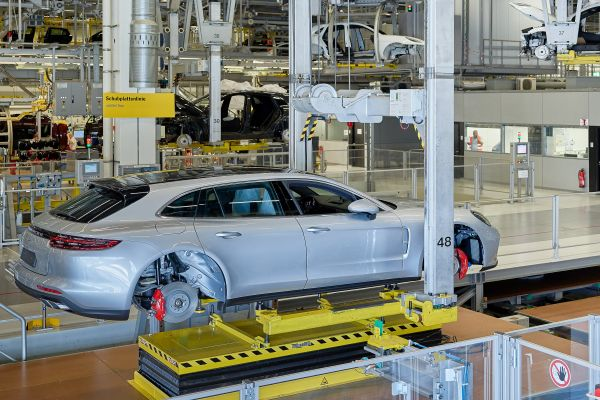 Porsche Panamera Sport Turismo üretimi başladı