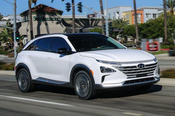 Kendi kendine park eden hidrojenli Hyundai Nexo geliyor