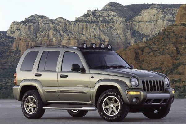 Fiat Chrysler 325 bin arazi aracını geri çağırdı