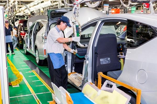Japonya'da Toyota Honda ve Mitsubishi üretimi durdu