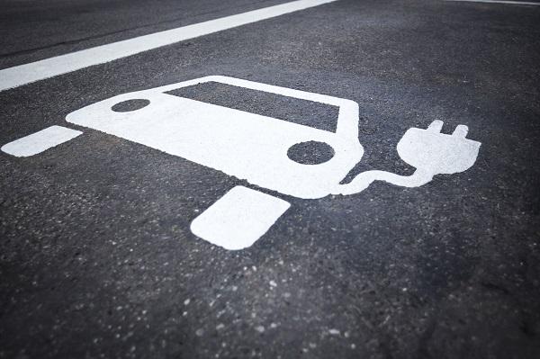 Elektrikli otomobillerle ilgili çok önemli bir anket yapıldı