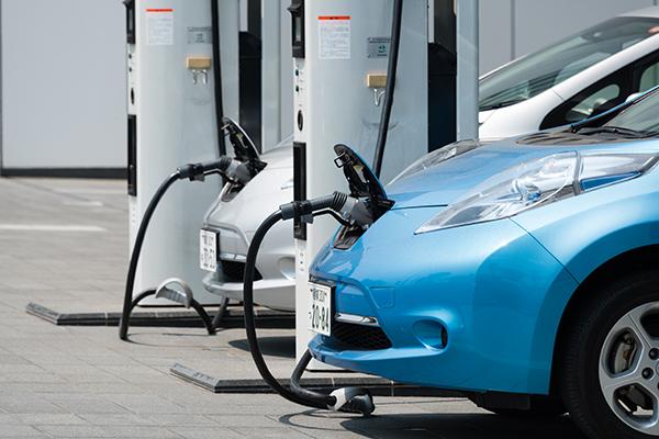 Yoksa Nissan elektrikli araba üretmeyi bırakıyor mu?