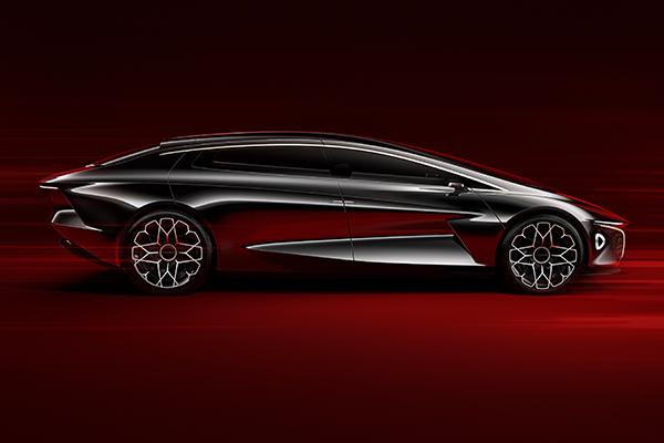 Aston Martin'in ilk elektrikli modeli Rapide E gün yüzüne çıktı