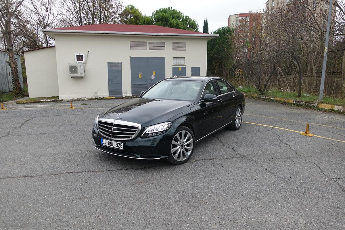 Tasarruflu premium Mercedes C200 dizel otostil testinde
