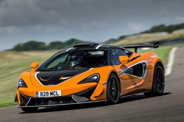 McLaren 620R yeryüzünde cenneti yaşatıyor