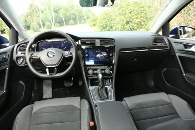 VW Golf Peugeot 308