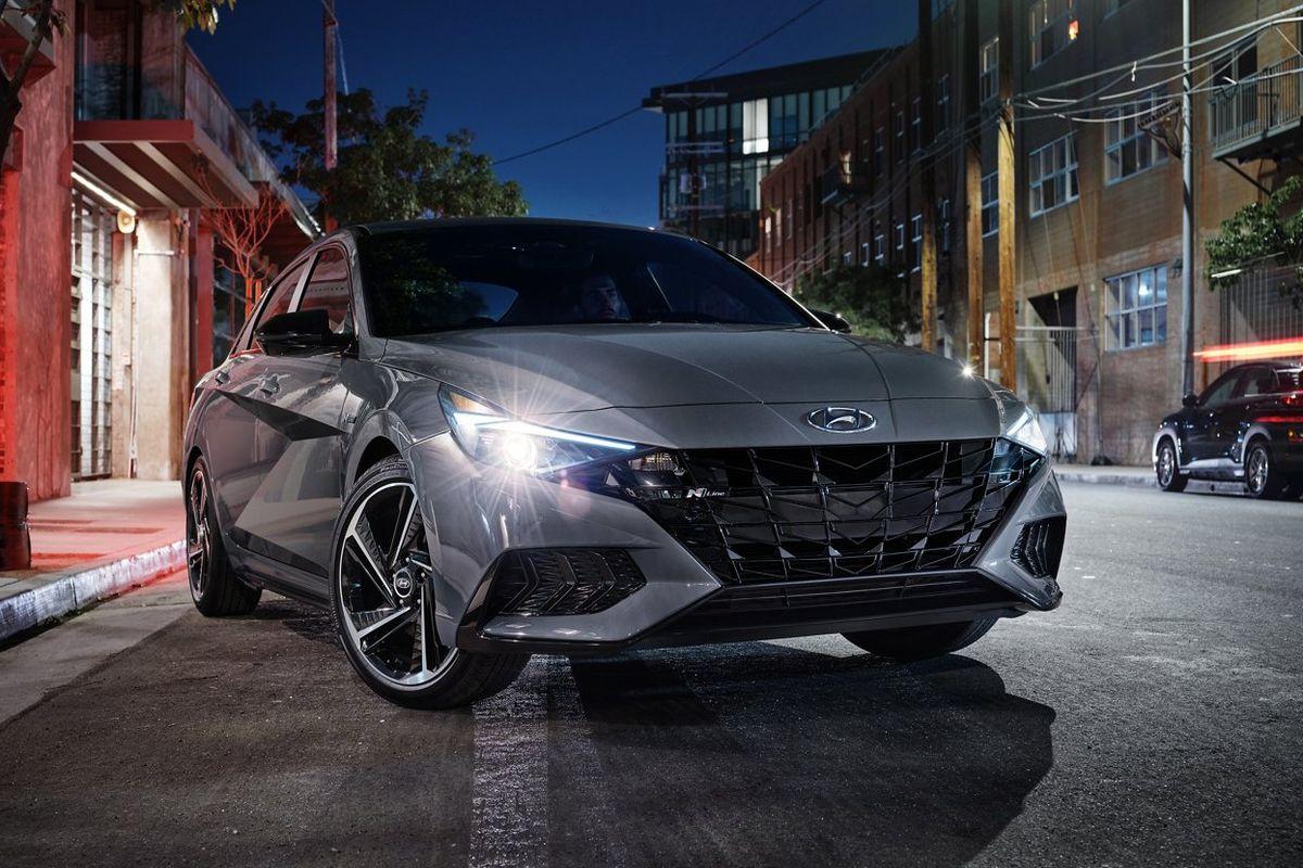 Yeni Hyundai Elantra 231.500 TL'den satışa sunuldu