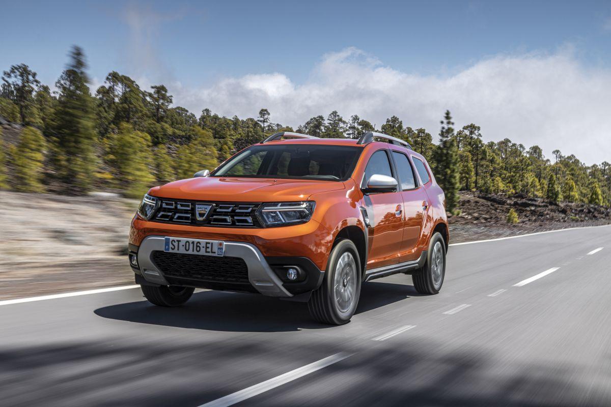 Lider Dacia Duster makyajlandı, Eylül'de geliyor
