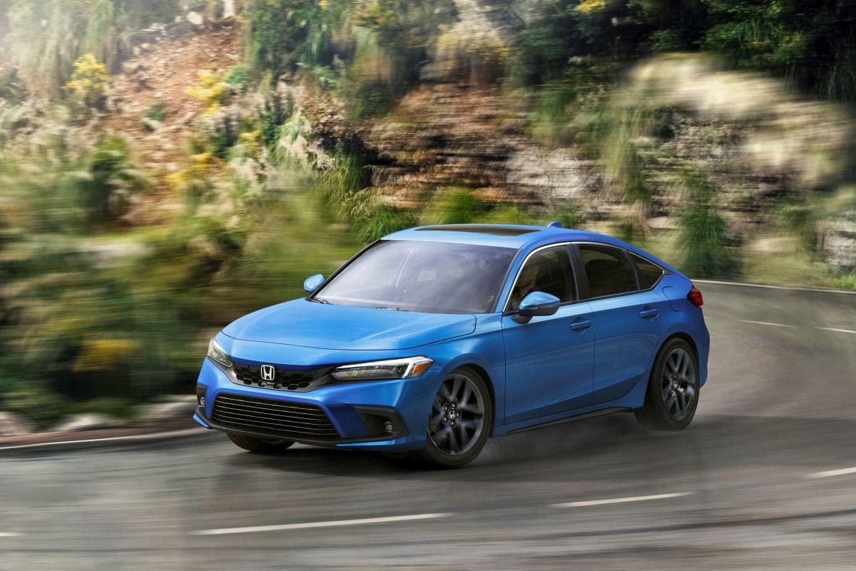 Honda Civic HB hibrit motorla ve rekor satış hedefiyle yola çıkıyor