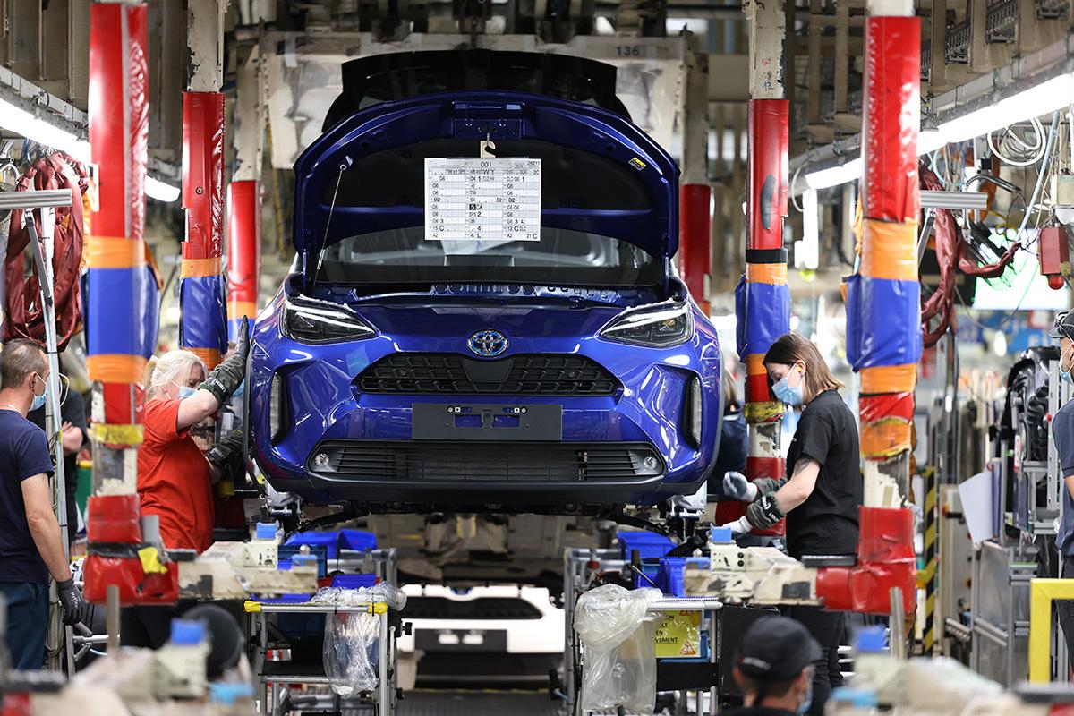Toyota'nın yeni B-SUV modeli Yaris Cross'un üretimi başladı